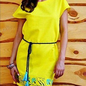 Dresses & Skirts - Embroidered linen dress